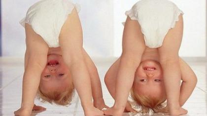 Как развивать ребенка в 1 месяц при помощи упражнений?