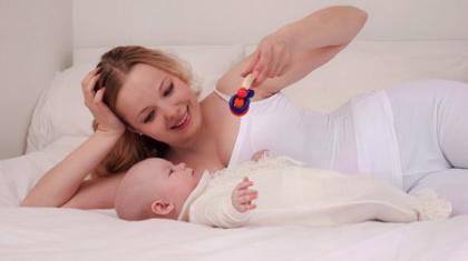 Развитие ребенка в 2 месяца жизни. Развивающие занятия и игры