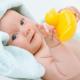 Развитие ребенка в 4 месяца при помощи игр