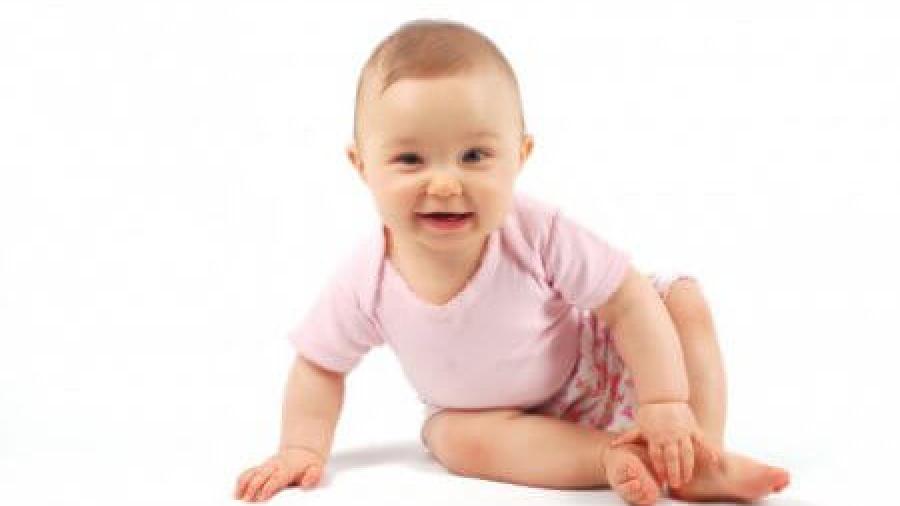 Физическое развитие ребенка в 8 месяцев при помощи гимнастики
