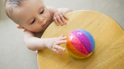 Календарь развития ребенка 11-ти месяцев жизни (что умеет ребенок в 11 месяцев?)