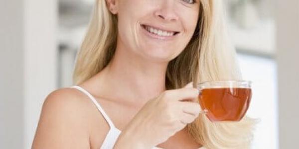Какой чай можно пить кормящей маме?