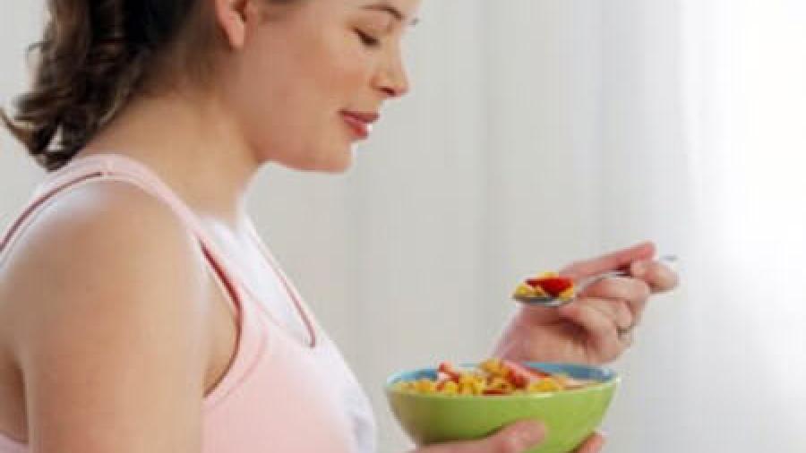 Питание при запорах у кормящей мамы