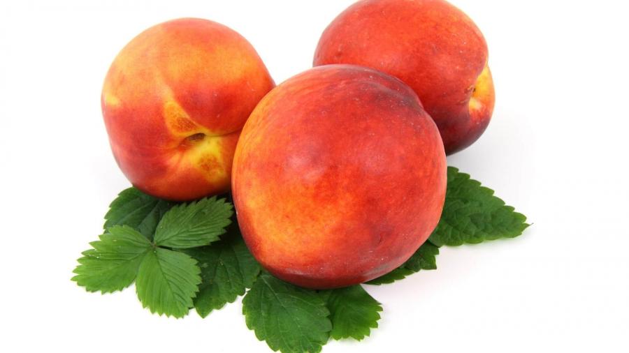 Персик при грудном вскармливании